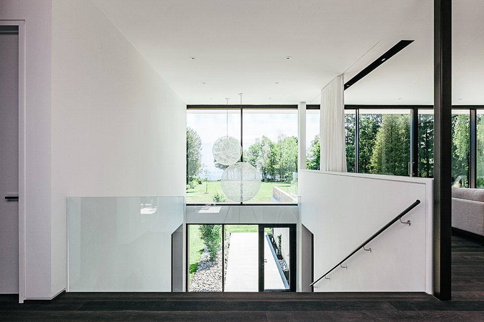 opposite-house-4