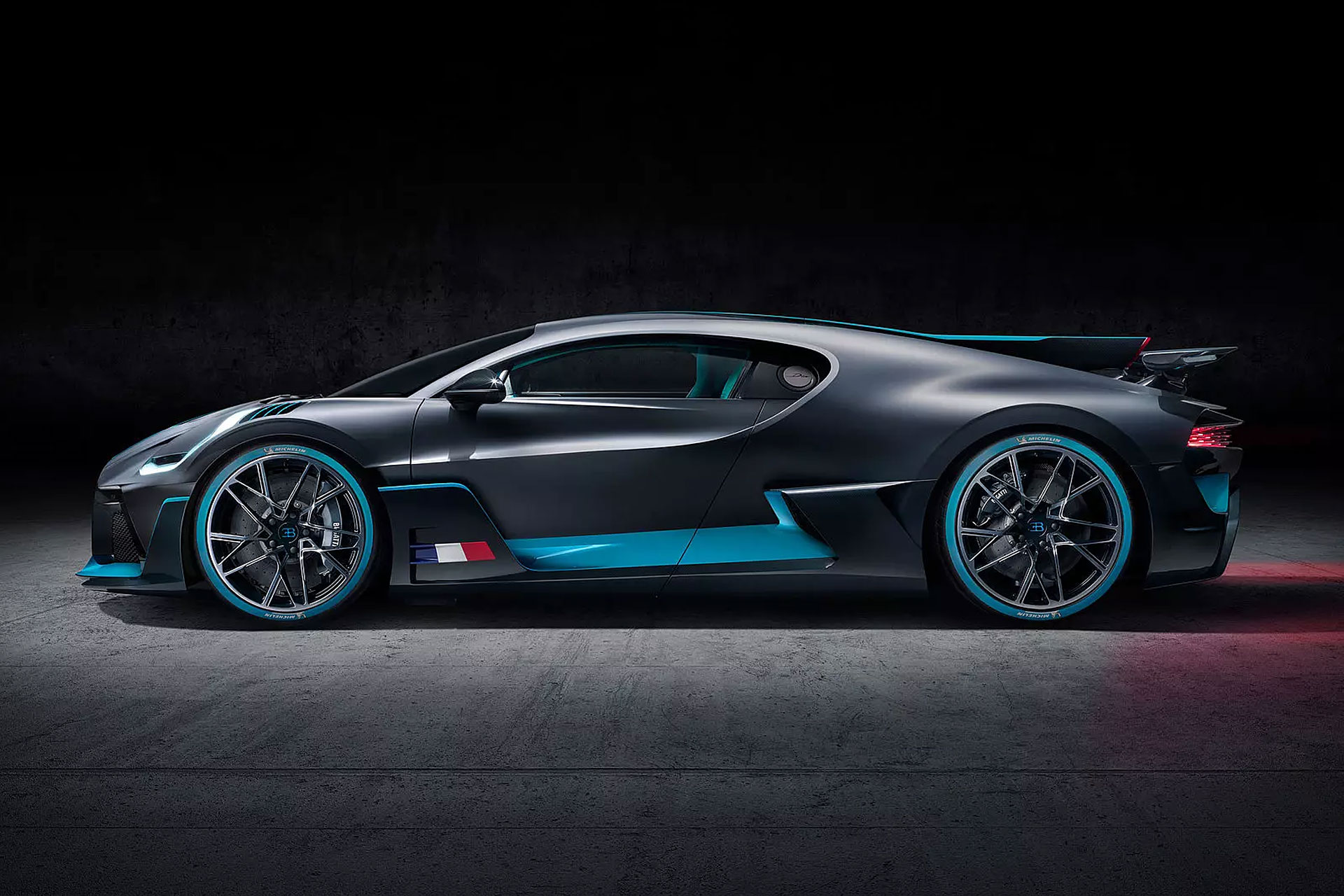 Visit LFMMAG.COM for more about the sinister Bugatti Divo ...